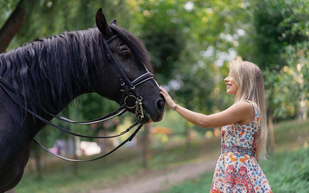 5 benefícios para quem anda a cavalo